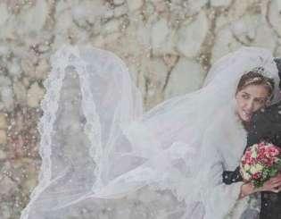 Ślub w zimowej scenerii