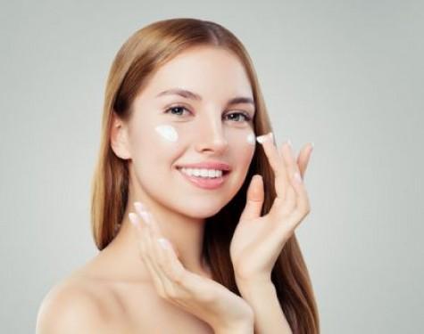 Krem nawilżający do twarzy – podstawowy kosmetyk do pielęgnacji