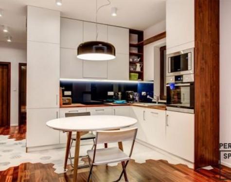 Solidny grunt na początek! Alternatywy dla zwykłej podłogi w kuchni