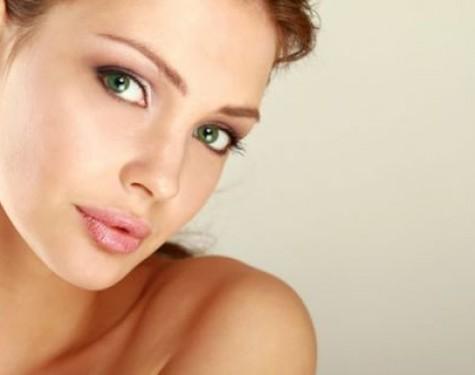 Dobre serum do twarzy - jak je stosować, opinie, porady