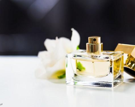 Co to jest reformulacja perfum i czemu twórcy zapachów zmieniają ich składniki?